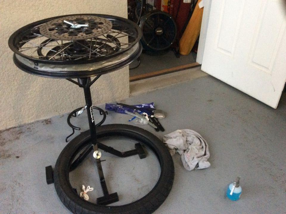 Tire change stand