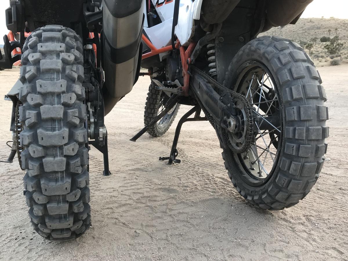 Motoz Desert HT Tubeless with TKC80.jpg