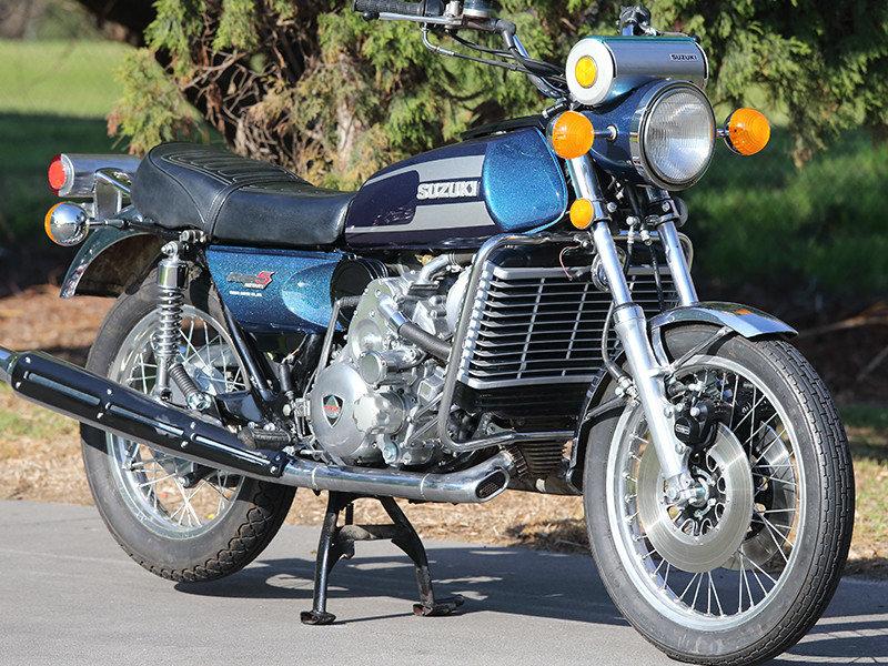 Suzuki-RE5-800x600.jpg